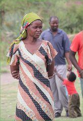 Frau am Fluss Okowango