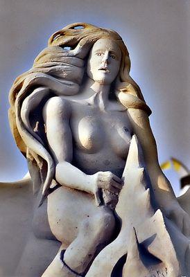 Frau aus Sand