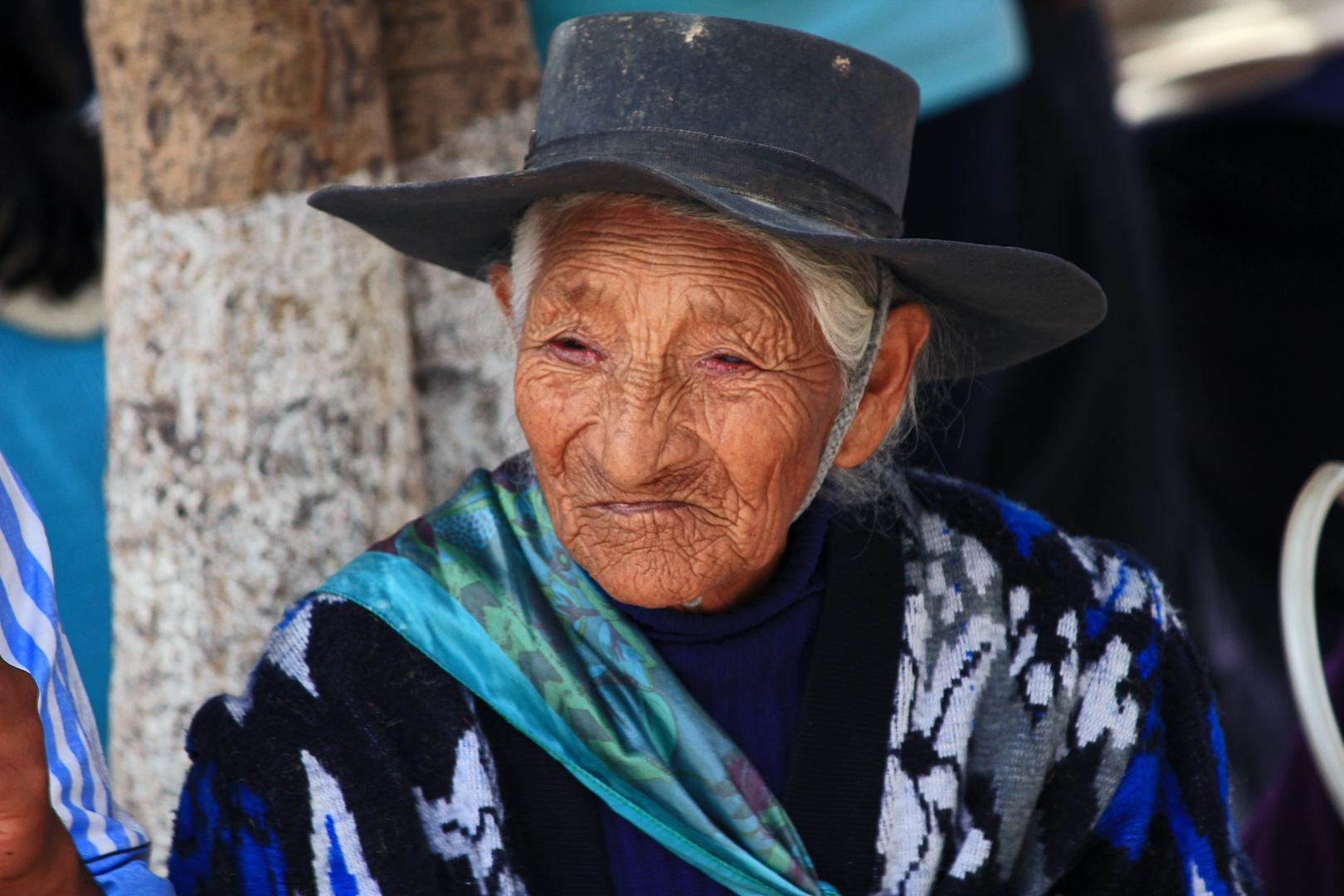 Frau in Humahuaca, Argentinien