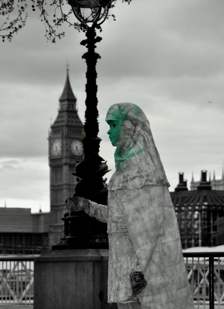 Frau in London