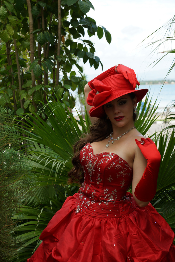 Frau in Rot 6