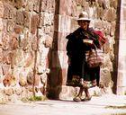 Frau in Sucre, Bolivien