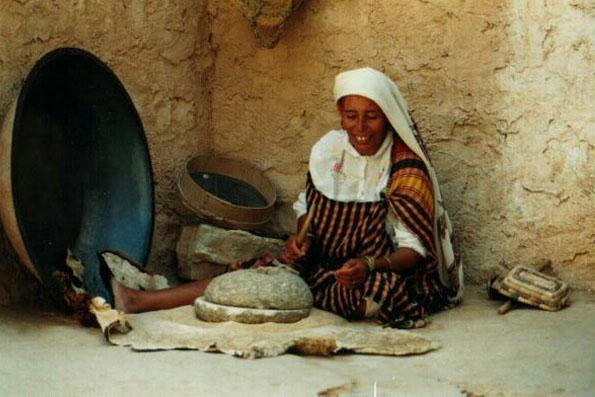 Frau in Tunesien