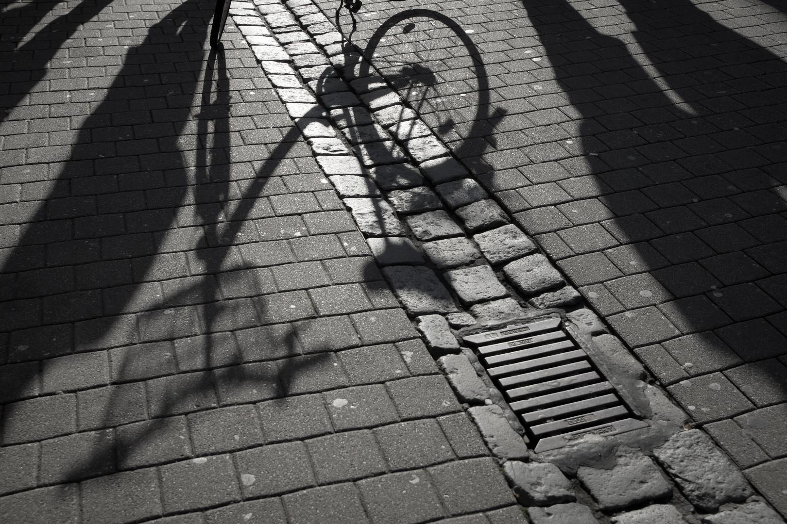 """Frau S. hat ihr Fahrrad abgestellt und ist in der """"Nordsee"""" verschwunden..."""
