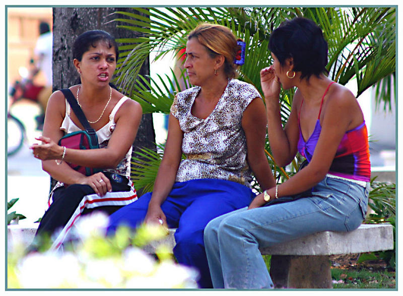 Frauen in Manzanillo / Cuba