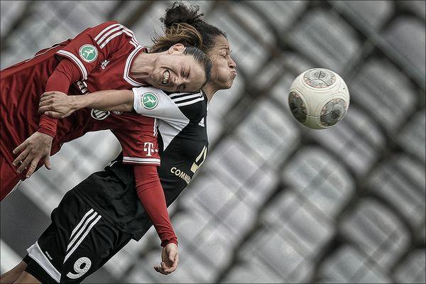 Frauenfußball - geht steil :-)