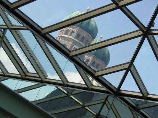 Frauenkirche in der Dachkonstruktion