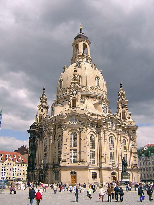Frauenkirche vor dem Himmelsgewölbe