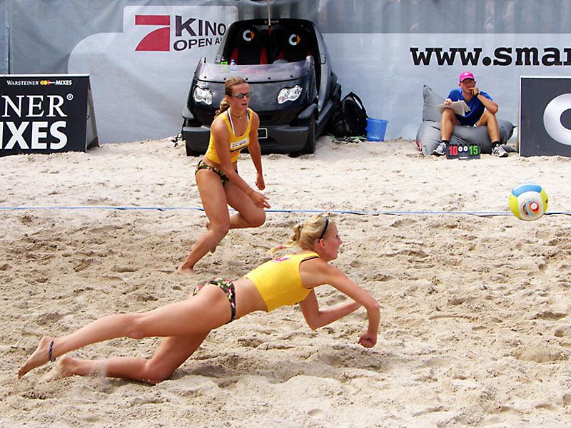 Frauenpower vom Dresdner SC bei der smart beach tour 2007 in Bonn