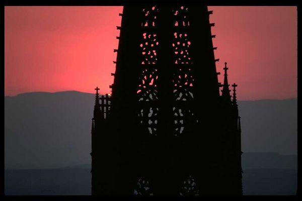 Freiburger Münster nach Sonnenuntergang
