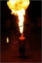 freies Spielen mit dem Feuer