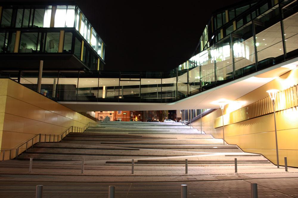 Freitreppe mit rampe in aachen foto bild architektur for Architektur rampe