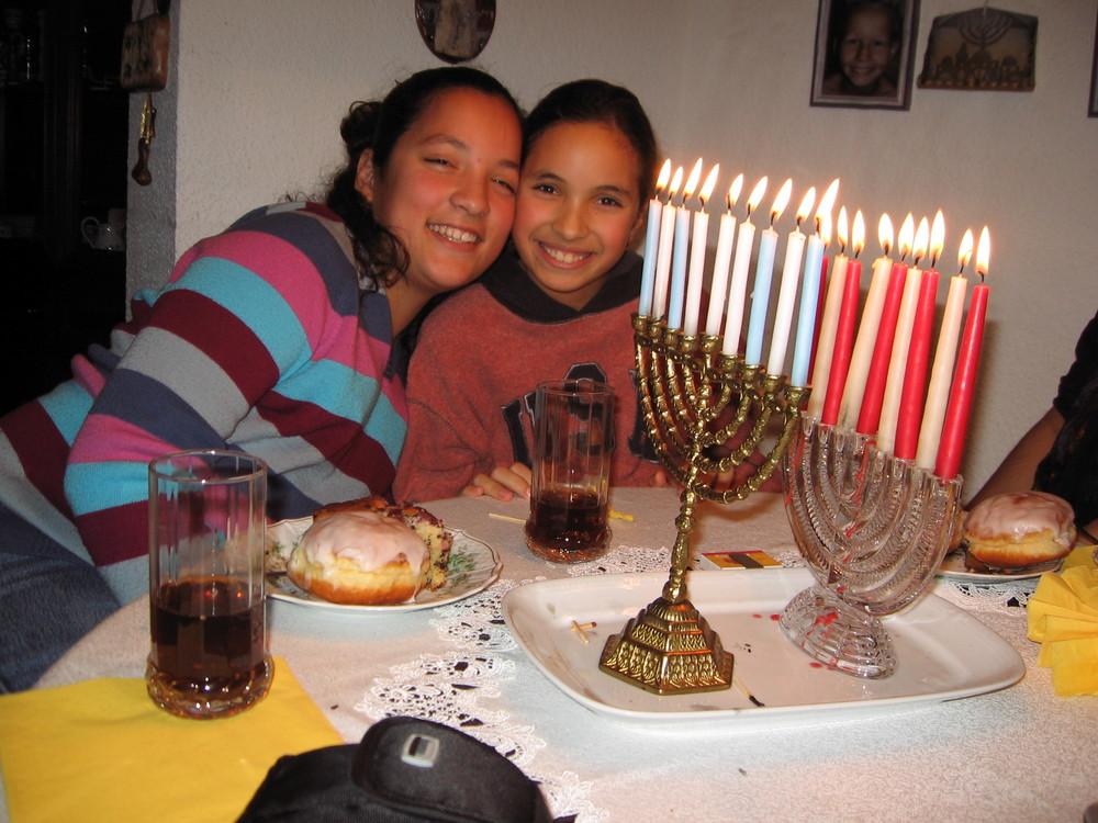 Freude am Licht der Channuka-Kerzen !!!!!!!!!