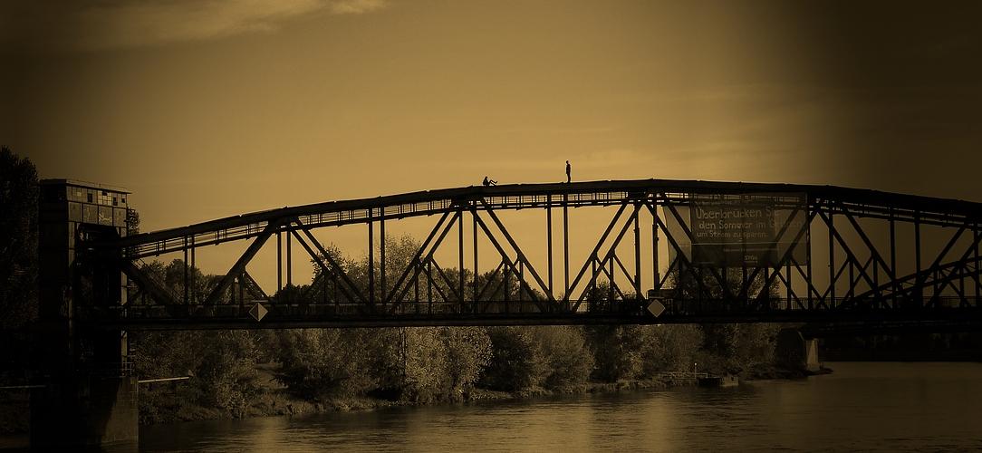 Freundschaft trägt dich wie eine Brücke