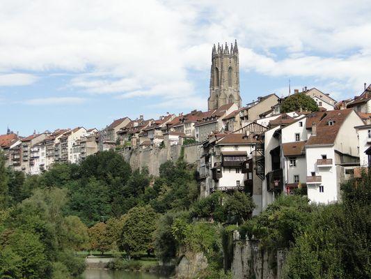 Fribourg von unten gesehen