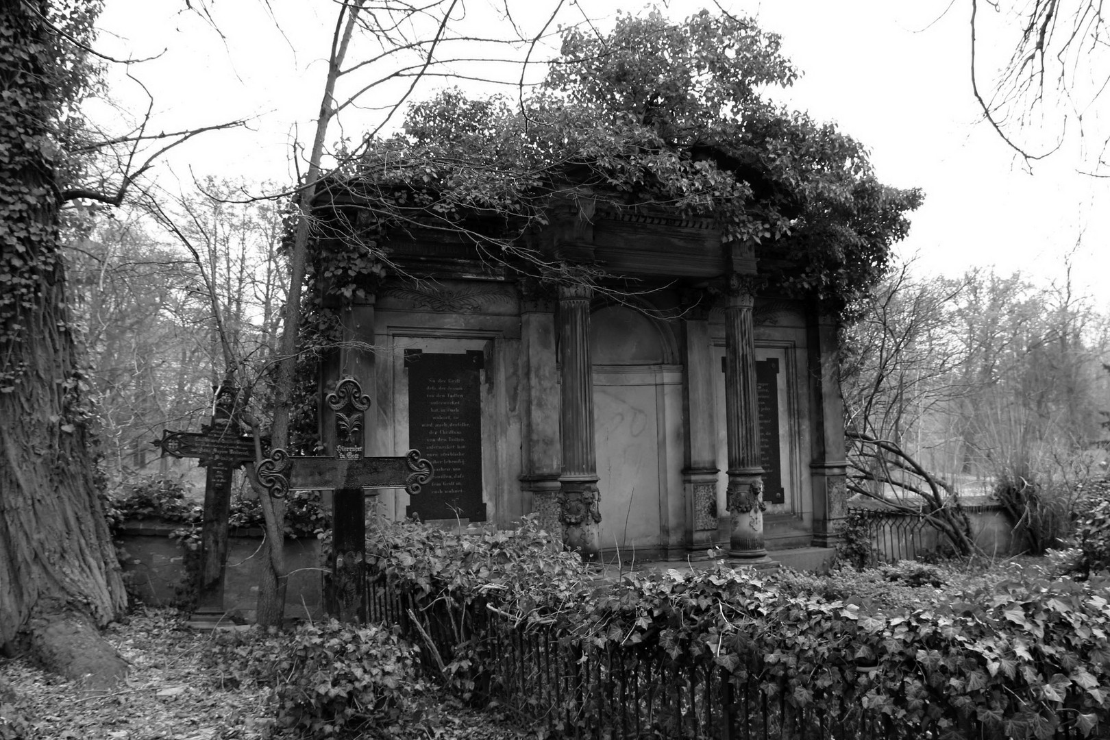 Friedhof Dorfkirche Alt-Tempelhof in Berlin