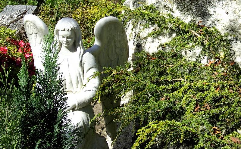 Friedhof in den Mauern der Burgruine Donaustauf