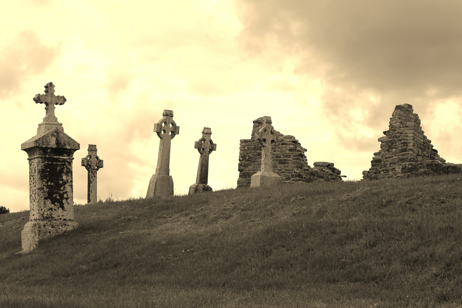 Friedhofkreuze in Irland