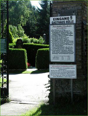 Friedhofseingang - gesehen in Salzburg
