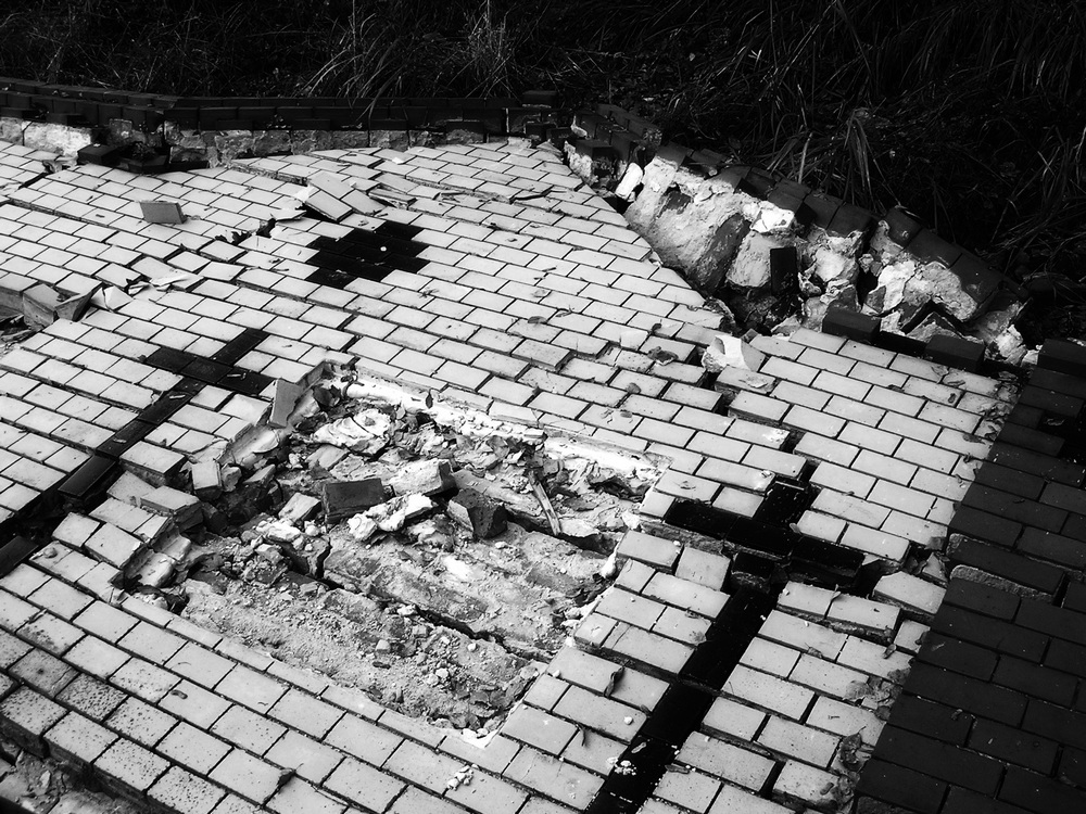 Friedhofsmauer - gefallen