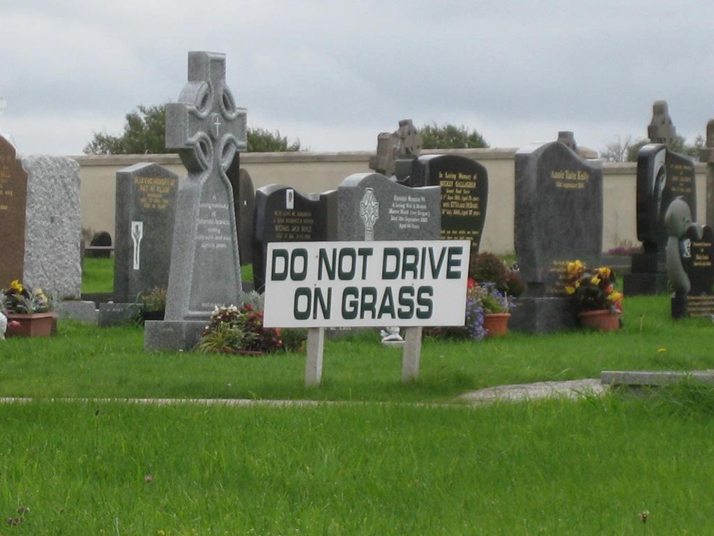 Friedhofsralley verboten