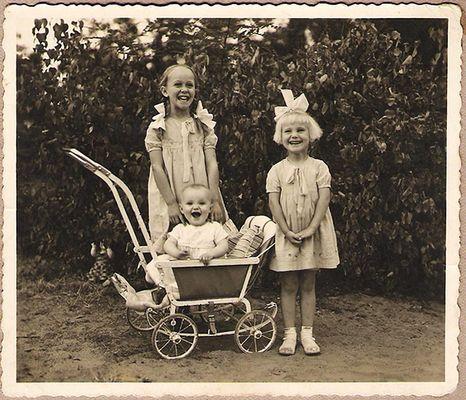 Fröhliche Mädchenschar - Anno 1934