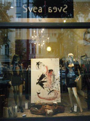 Front Svea Store Mode Boutique Gemälde Mané Wunderlich Maler - Vogelfrei -