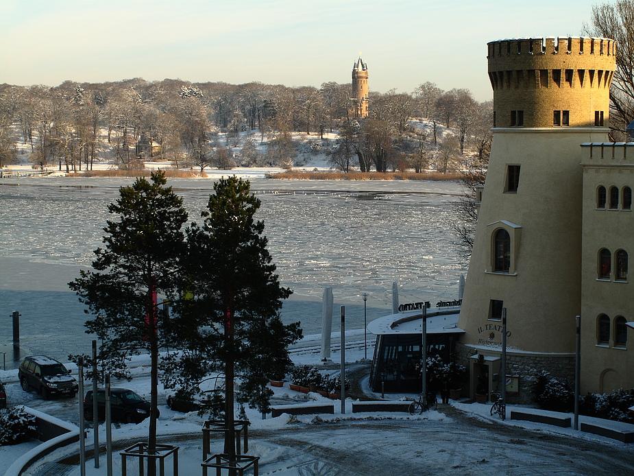 Frostiger Blick zum Park Babelsberg .......