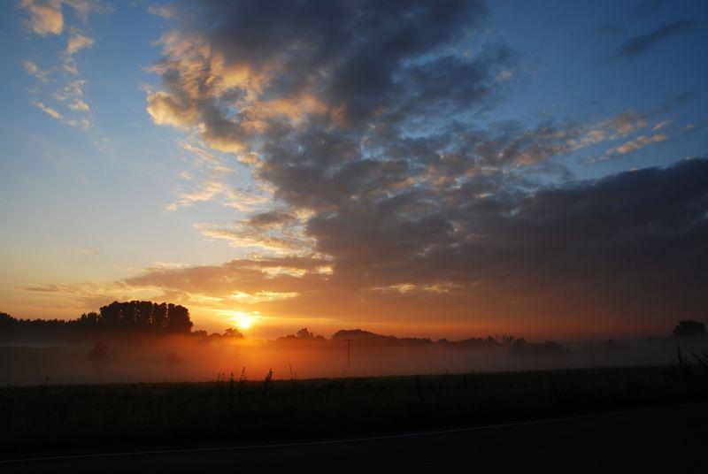 früh am Morgen wenn die Sonne auf geht...