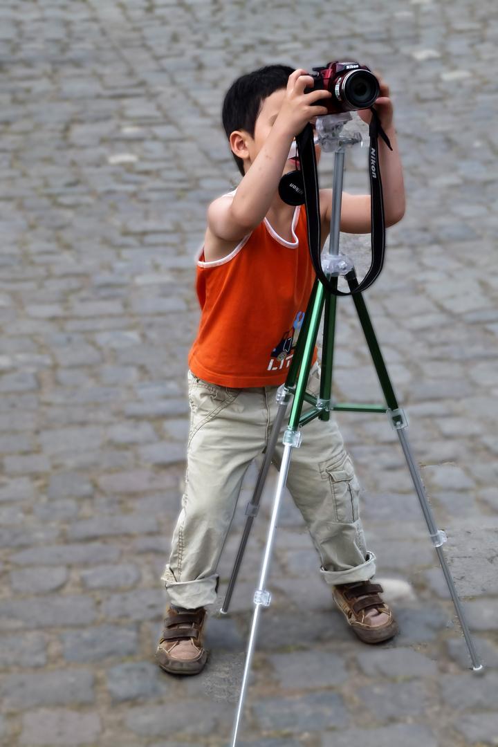 Früh übt sich . . . . . . Fotografennachwuchs made in Japan