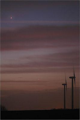Früher Morgen mit Jupiter in einer Wolkenlücke