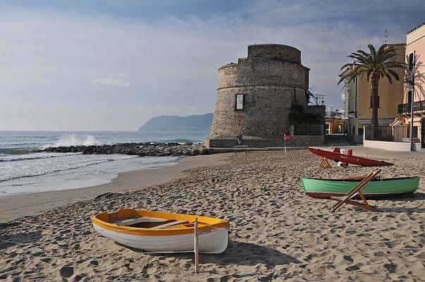 Frühherbst am Strand von Alassio