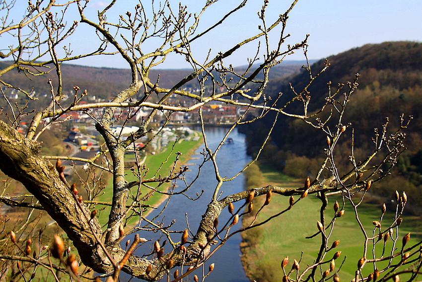 Frühling über der Weser