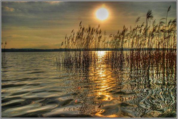 Frühlingsabend am See