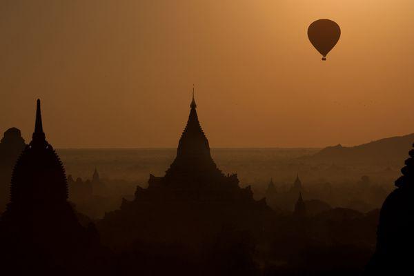 Frühmorgens in Bagan ...