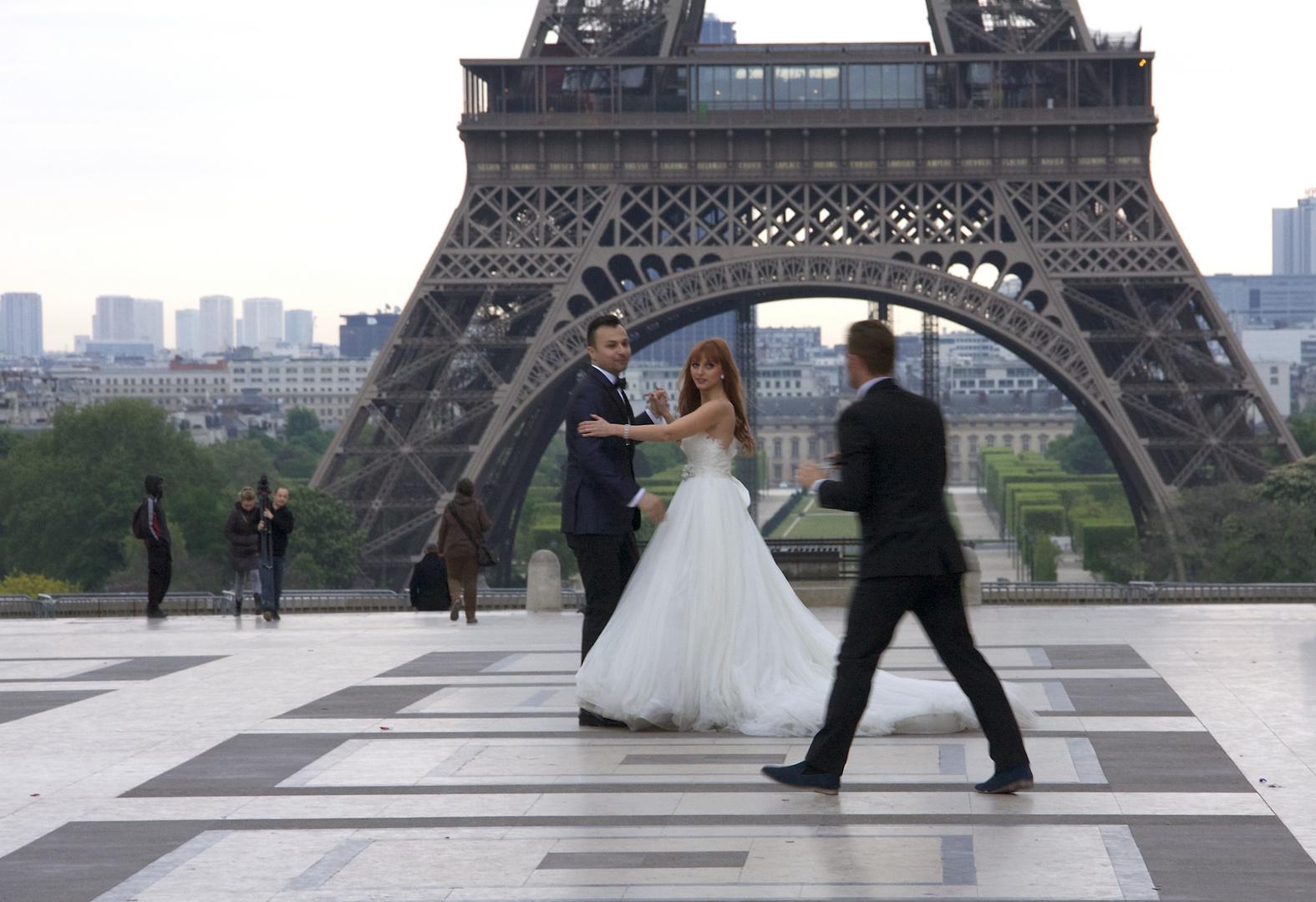 Frühmorgens ins Paris: Hochzeitsfotografie