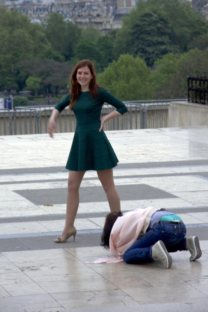 Frühmorgens ins Paris: Modefotografie