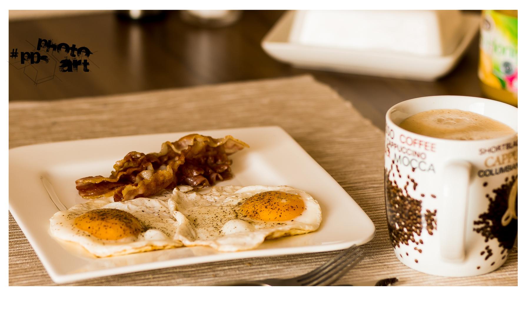 Frühstück Bacon & Ei und eine Tasse Kaffee Foto & Bild | stillleben ...