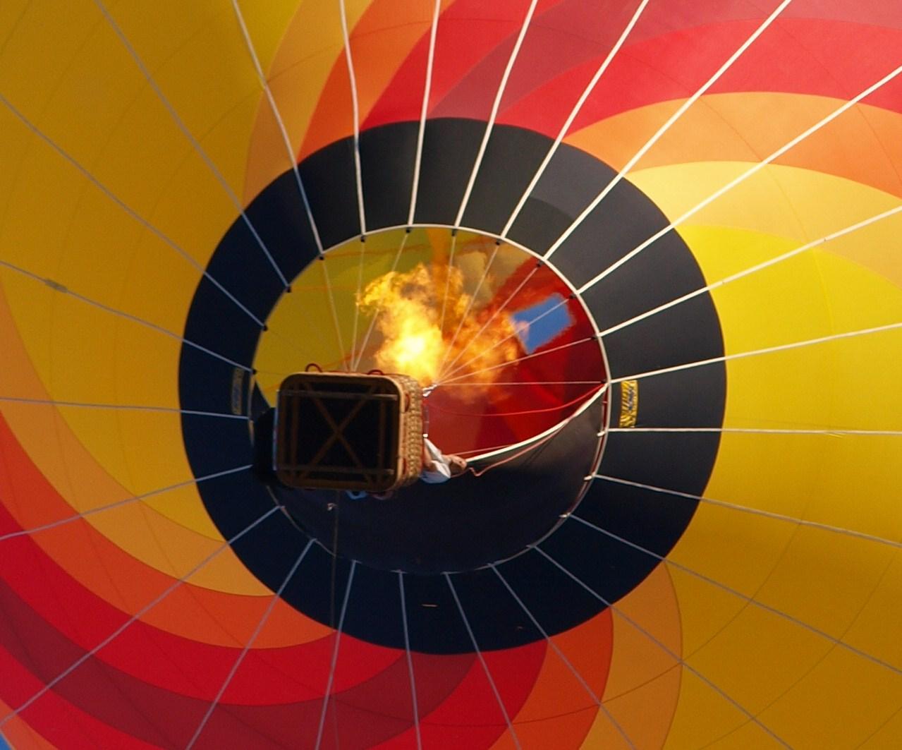 fuego en globo