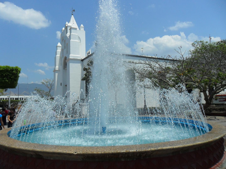 Fuente y Catedral