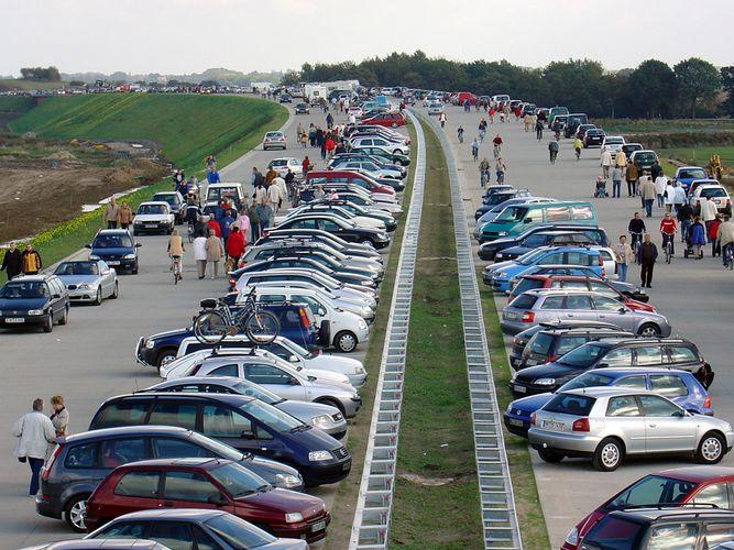 Für einen Tag der teuereste Parkplatz der Republik die A 20 am 3. Oktober 2004