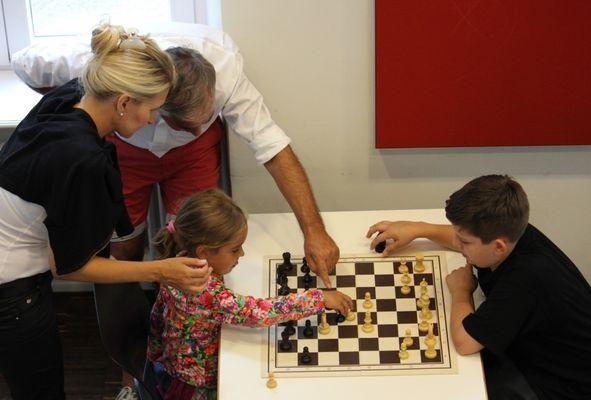 Für Schach ist es nicht zu früh!(1)