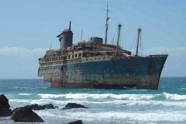 Fuerteventura, nave abbandonata