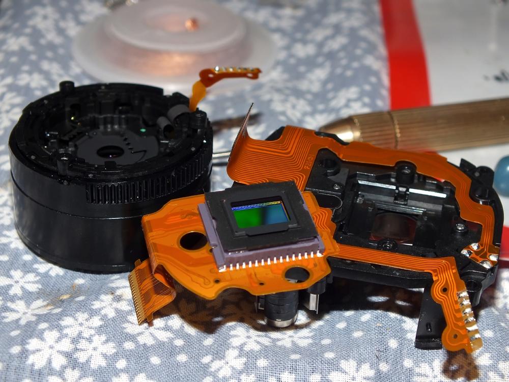 Fuji F30 Objektiv und Sensor