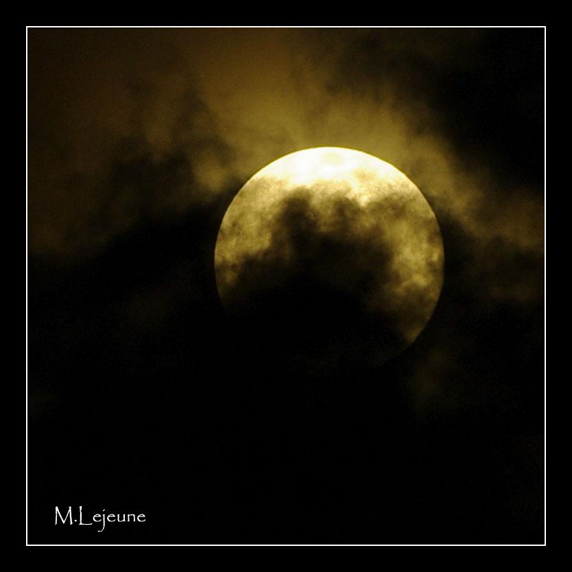 Full Moon in Uganda 2