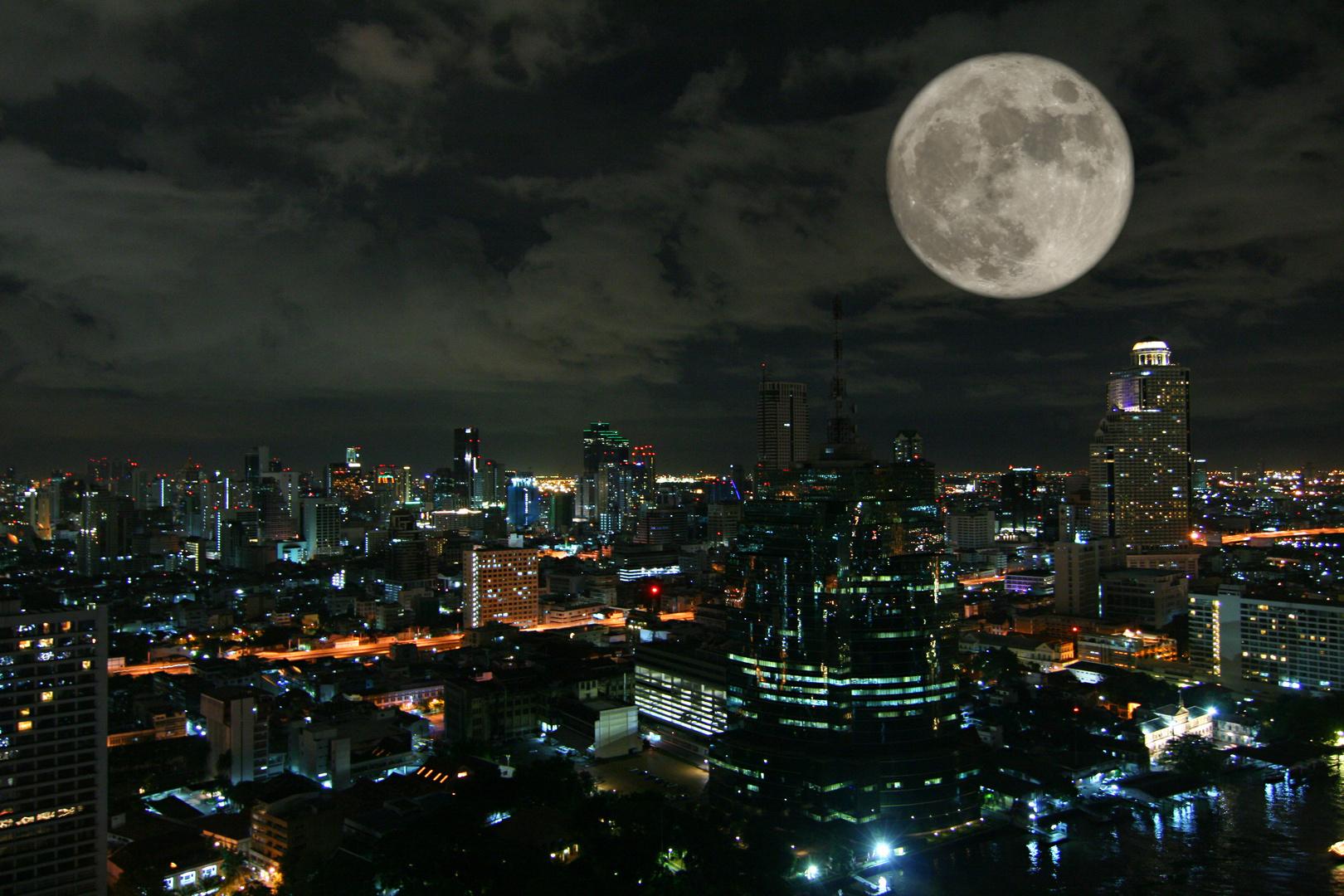 Full moon over Bangkok