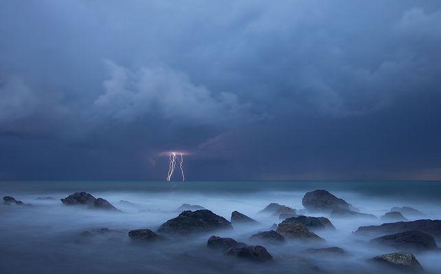 Fulmini sul mare