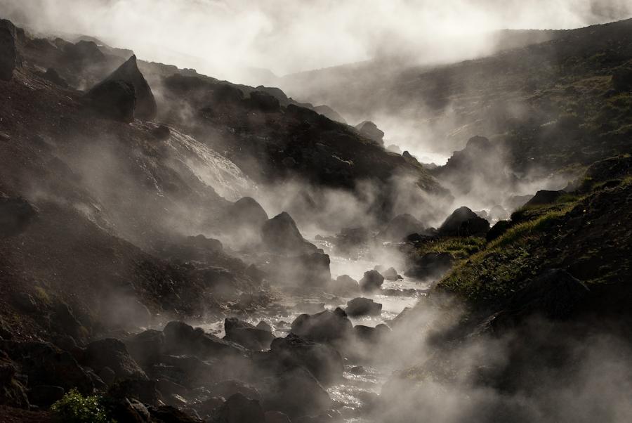 Fumerolles et ruisseau