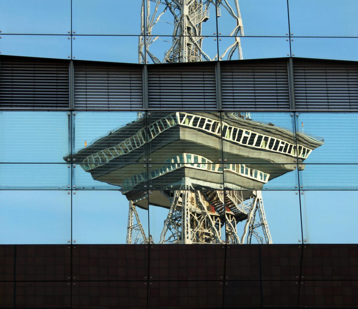 Funkturm Spiegelung