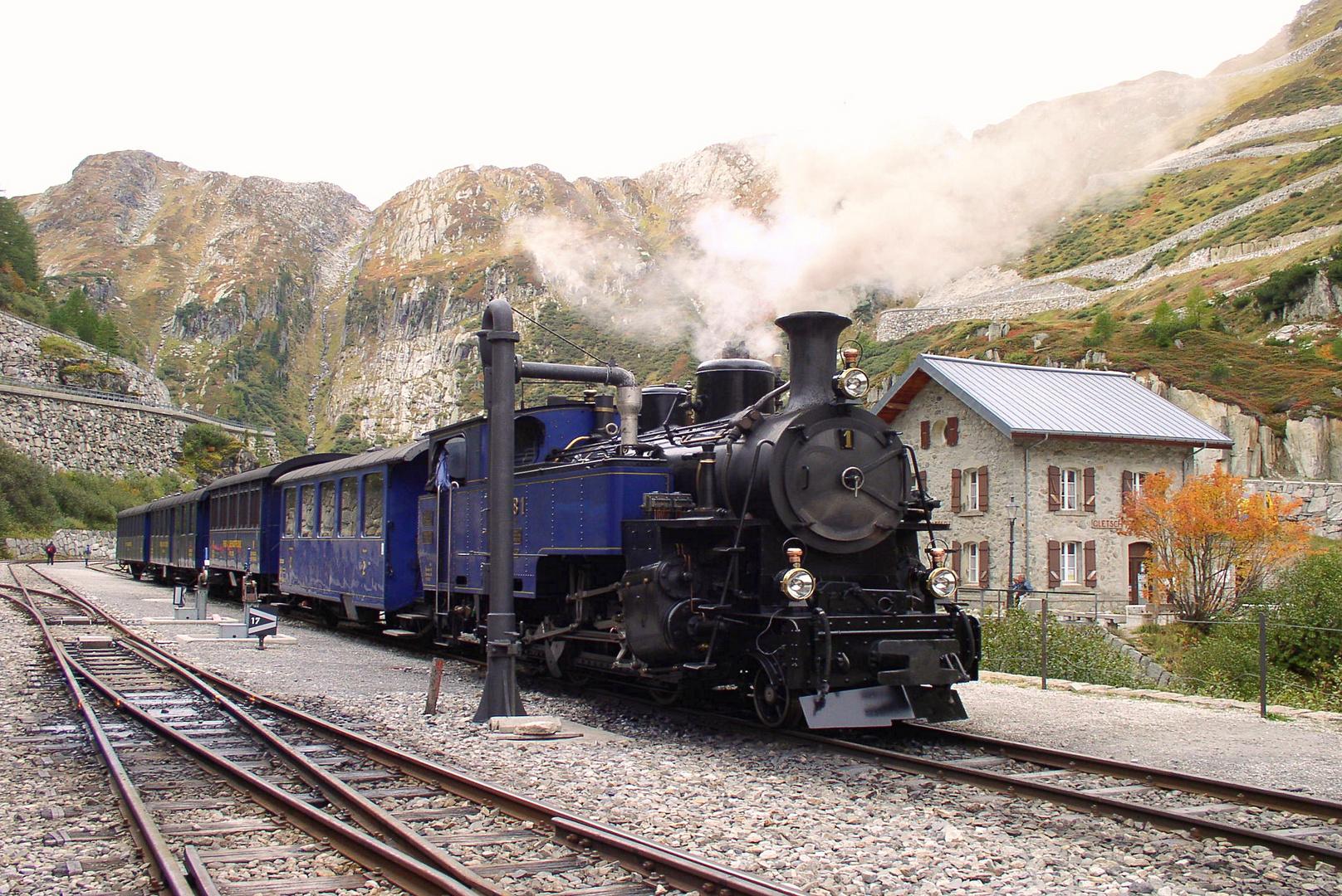 Furkabahn im Bahnhof Gletsch 1757m